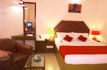 rooms-at-hotel-mainak